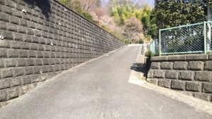 小松城への登山口