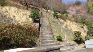 小松城への階段