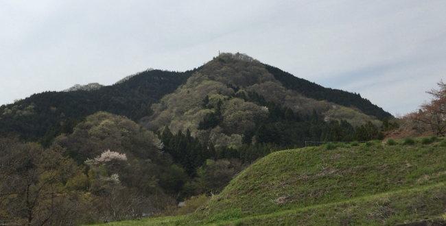 「鉢岡山烽火台 北条家の狼煙ネットワーク」のアイキャッチ画像