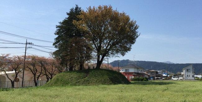 「首塚(富士塚) 津久井城落城の際に北条勢の首を祀った地」のアイキャッチ画像