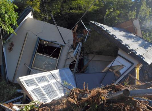 「クルマが流された家族など 牧野の土砂崩れ 相模原の人的被害まとめ  台風19号(2019年10月12日災害)」のアイキャッチ画像